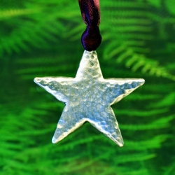 A Christmas Star Cast.Christmas Star Ornament In Fine Pewter By Treasure Cast
