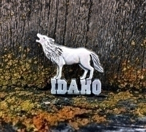 Idaho Wolf Pin
