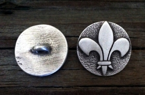 Raised Fleur De Lis Pewter Shank Button 1 Inch (25 mm)