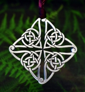 Celtic Knot Christmas Ornament in Fine Pewter