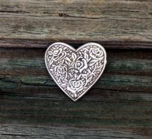 Rose Heart 1 inch (24 mm) Pewter Pin
